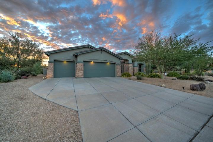 2502 N Keesha Street, Mesa, AZ 85207
