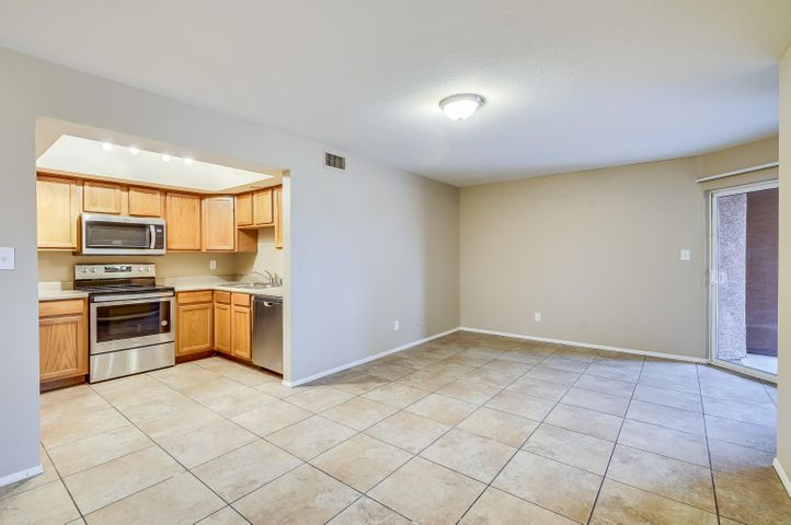 1402 S JENTILLY Lane, 105, Tempe, AZ 85281