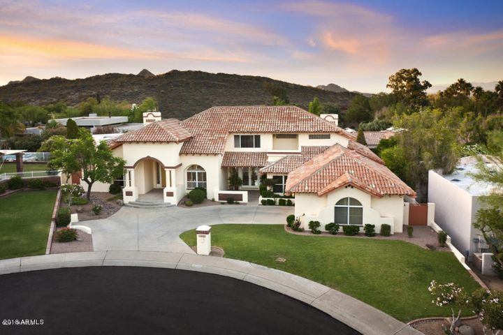 Nestled in Phoenix Mountain Preserve with walking trails nearby