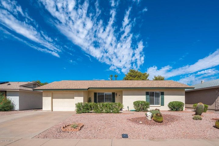 814 Leisure World, Mesa, AZ 85206