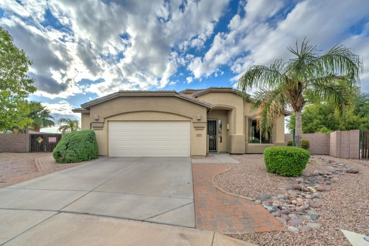 2030 E BELLERIVE Place, Chandler, AZ 85249