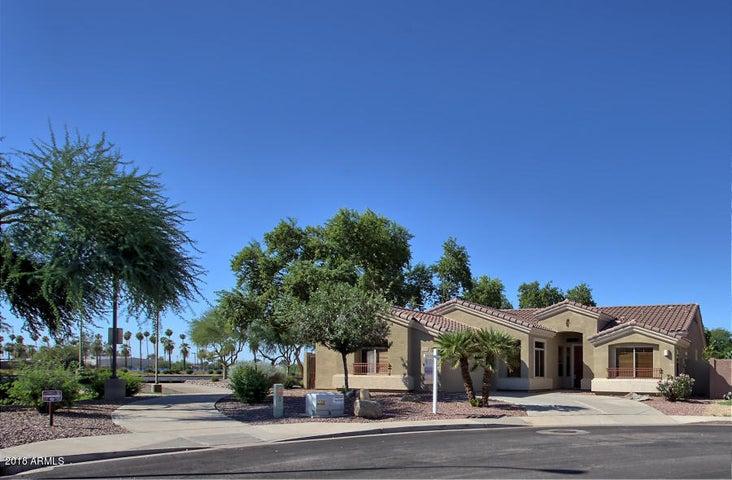 3990 S EMERSON Street, Chandler, AZ 85248