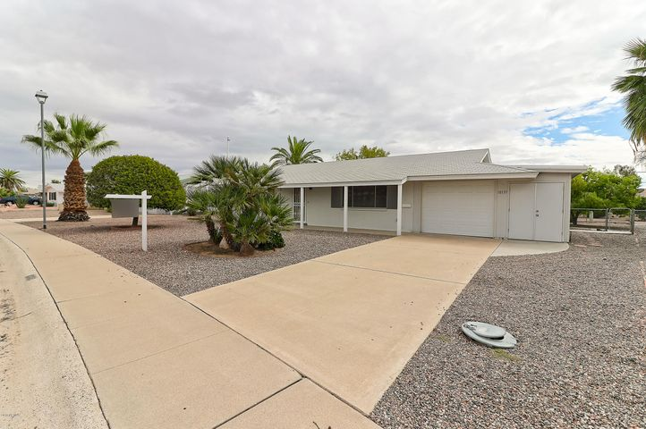 10135 W PEBBLE BEACH Drive, Sun City, AZ 85351