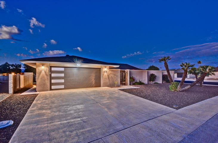 Complete Contemporary Remodel in the Heart of Sun City, AZ.