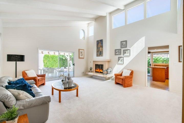 7326 E BERRIDGE Lane, Scottsdale, AZ 85250