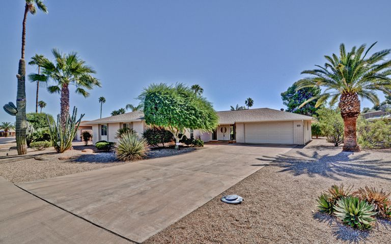 9729 W PINECREST Drive, Sun City, AZ 85351