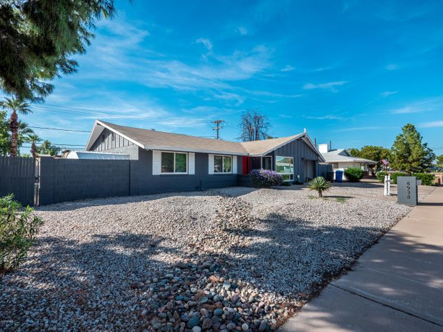 8938 N 18TH Avenue, Phoenix, AZ 85021