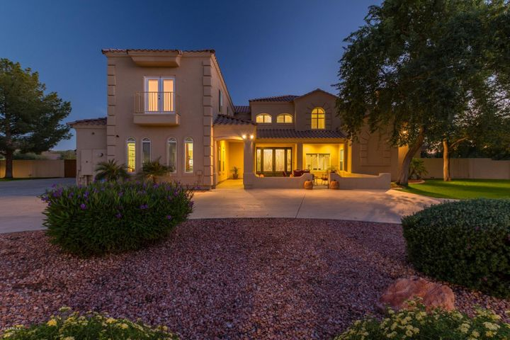 5225 W DESERT Drive, Laveen, AZ 85339