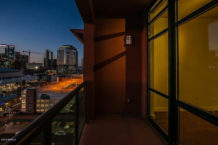Private Balcony w/View