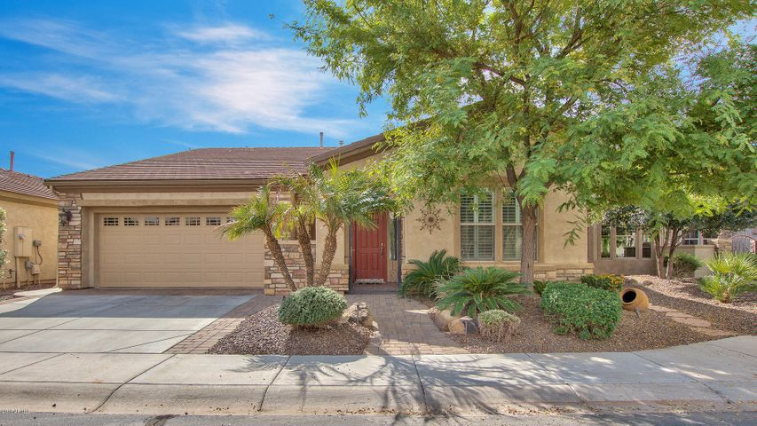 4729 E RAKESTRAW Lane, Gilbert, AZ 85298