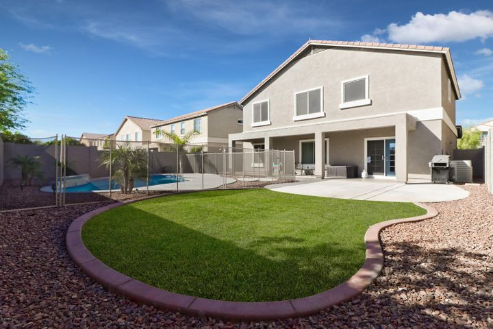 17825 W PORT ROYALE Lane, Surprise, AZ 85388