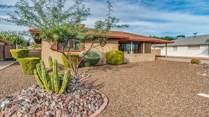 8222 E SHERIDAN Street, Scottsdale, AZ 85257