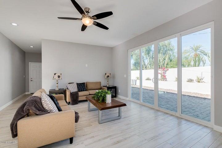 3322 N 15TH Avenue, Phoenix, AZ 85015