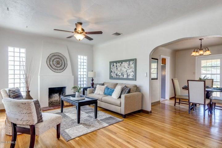 1141 W LYNWOOD Street, Phoenix, AZ 85007