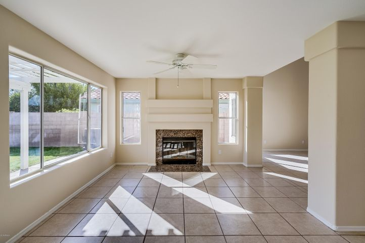 1019 N BLACKSTONE Drive, Chandler, AZ 85224