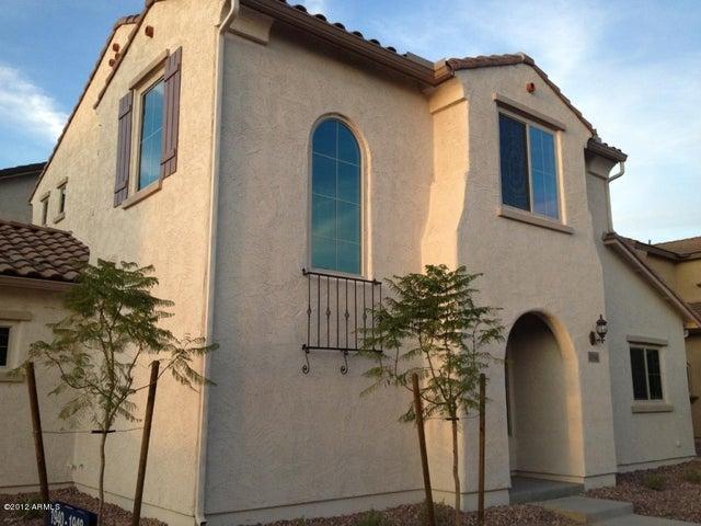 1940 W BUSONI Place, Phoenix, AZ 85023