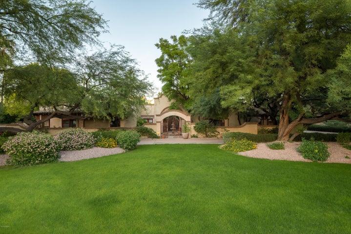 8145 N 68TH Street, Paradise Valley, AZ 85253