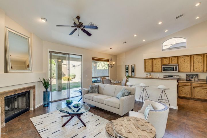 6774 E Gelding Drive, Scottsdale, AZ 85254