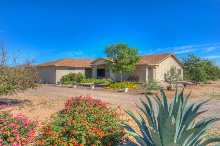 820 E LEISURE Lane, Phoenix, AZ 85086