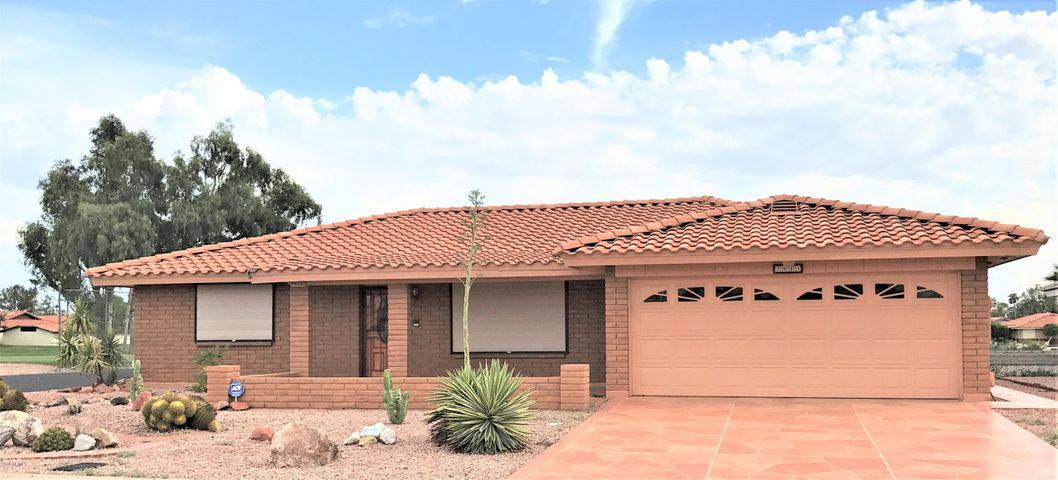7813 E LAKEVIEW Avenue, Mesa, AZ 85209