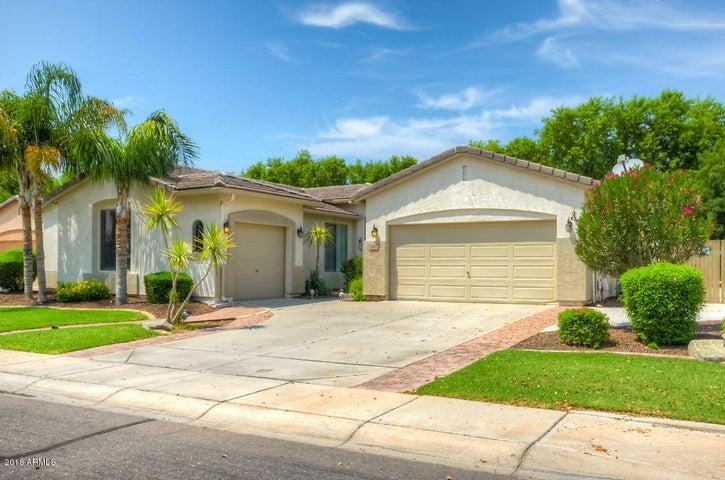 3270 E HORSESHOE Drive, Chandler, AZ 85249