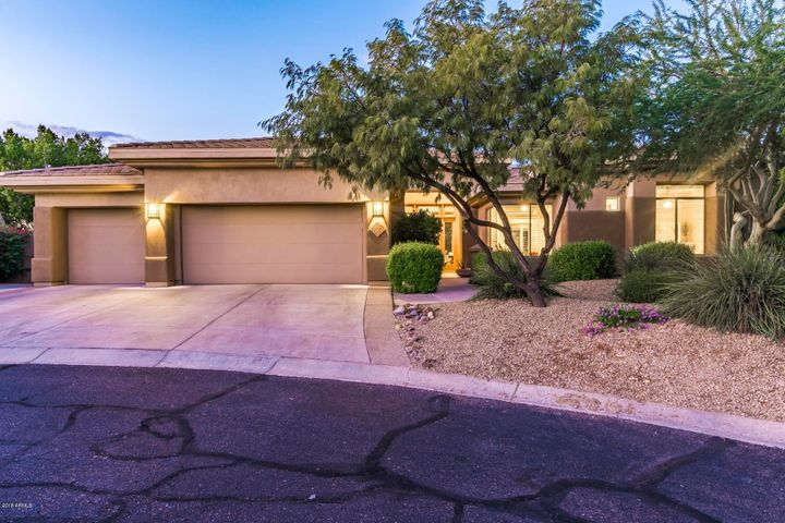 Prestigious Trovas! Private gated Community at the base of the McDowells.