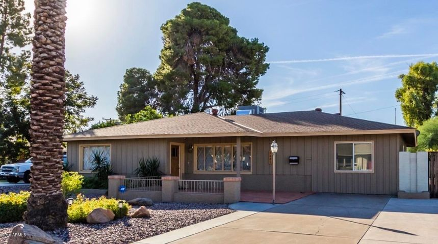 4601 E CAMBRIDGE Avenue, Phoenix, AZ 85008