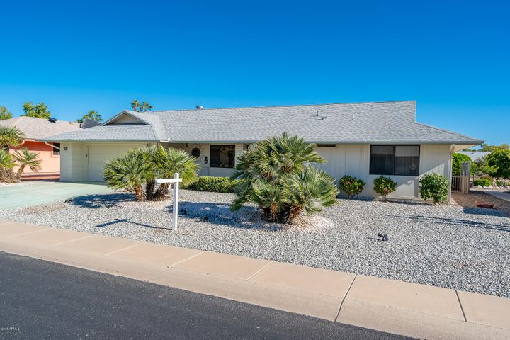 12726 W CRYSTAL LAKE Drive, Sun City West, AZ 85375