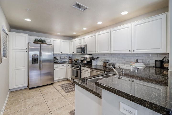 20121 N 76TH Street, 1035, Scottsdale, AZ 85255
