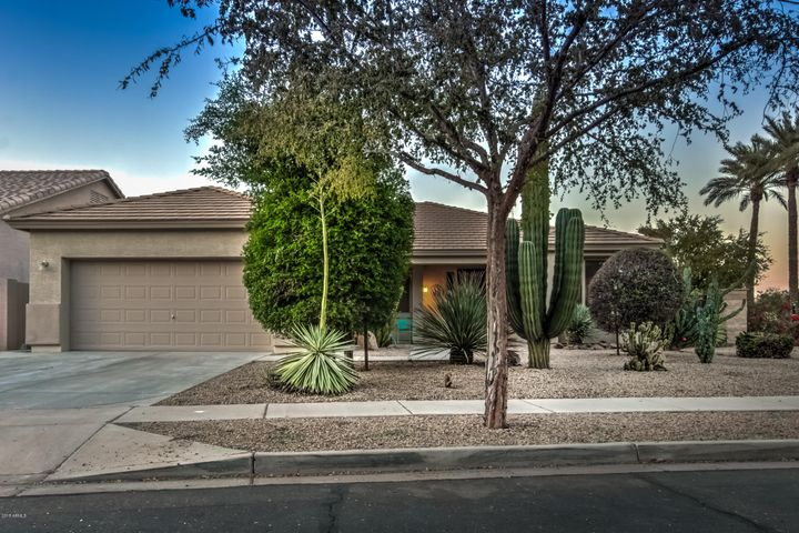 1818 E VALENCIA Drive, Phoenix, AZ 85042