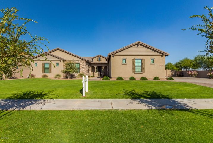17792 E COLT Drive, Queen, Queen Creek, AZ 85142