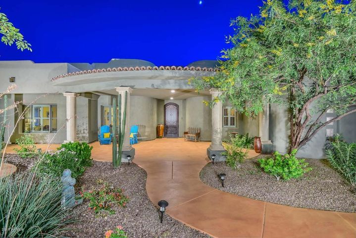 6257 W PARKSIDE Lane, Glendale, AZ 85310
