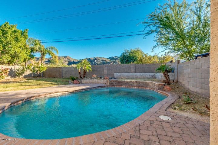 2021 E WINSTON Drive, Phoenix, AZ 85042