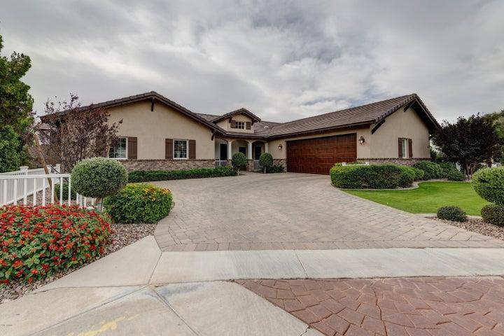 2521 E SOLANO Drive, Phoenix, AZ 85016