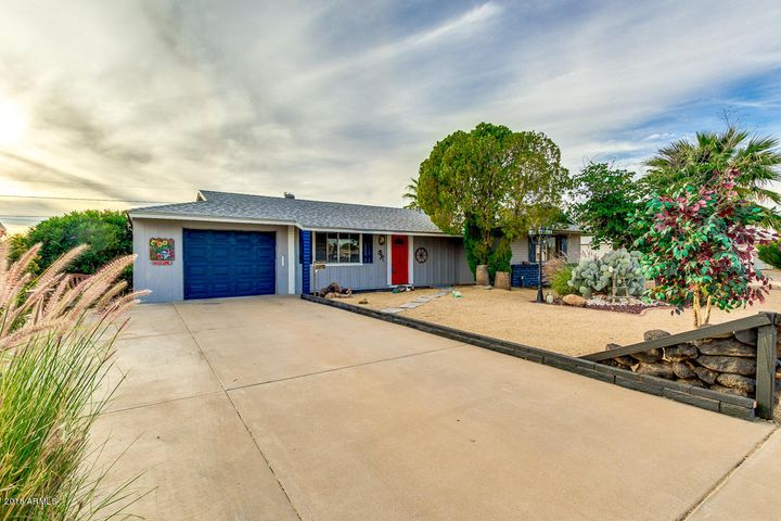 11650 N HACIENDA Drive, Sun City, AZ 85351
