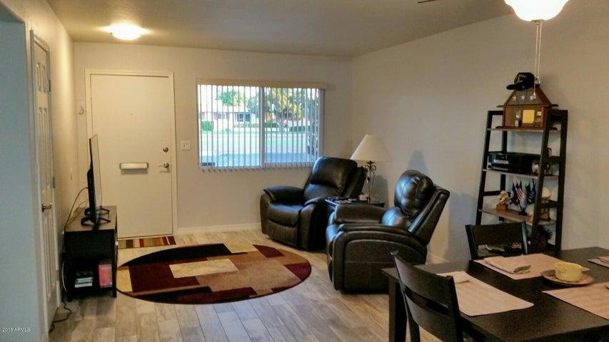10757 W PEORIA Avenue, Sun City, AZ 85351