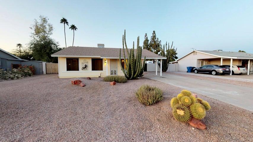 2222 W PORTOBELLO Avenue, Mesa, AZ 85202