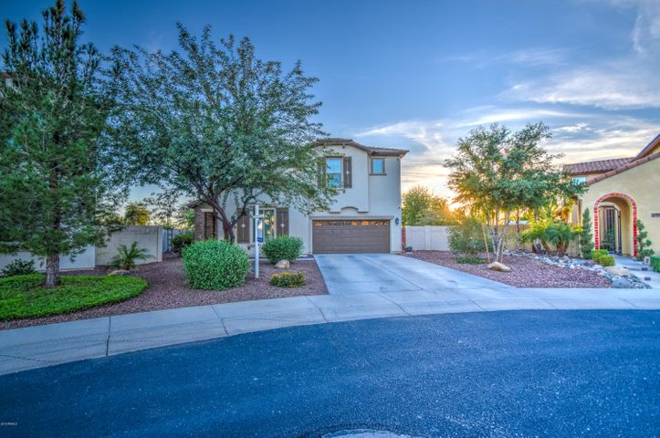 4739 W BUCKSKIN Trail, Phoenix, AZ 85083