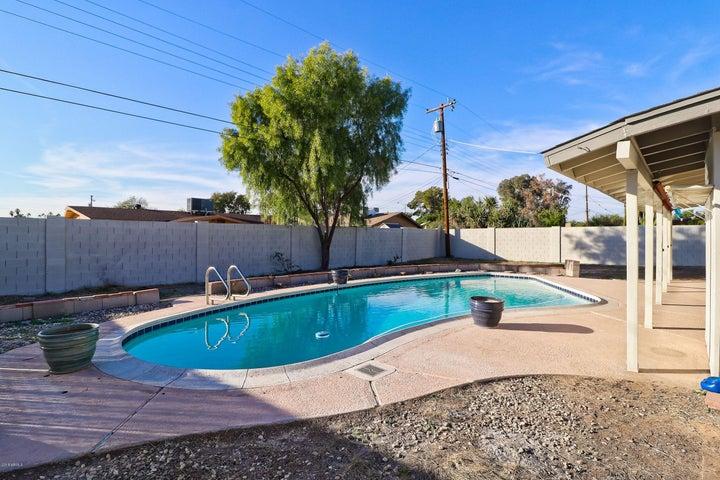 8054 N 55TH Drive, Glendale, AZ 85302