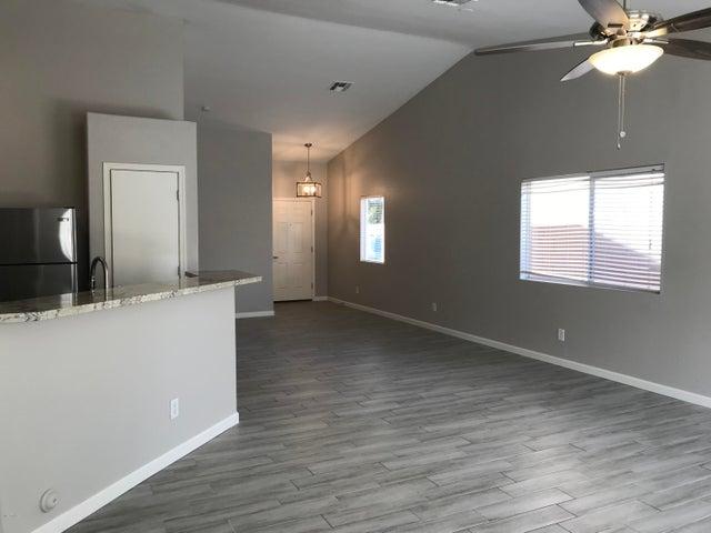 4715 E MEADOW LARK Way, San Tan Valley, AZ 85140