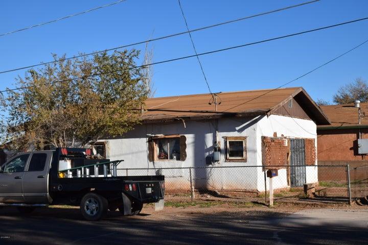1420 W SHORT Street, Winslow, AZ 86047