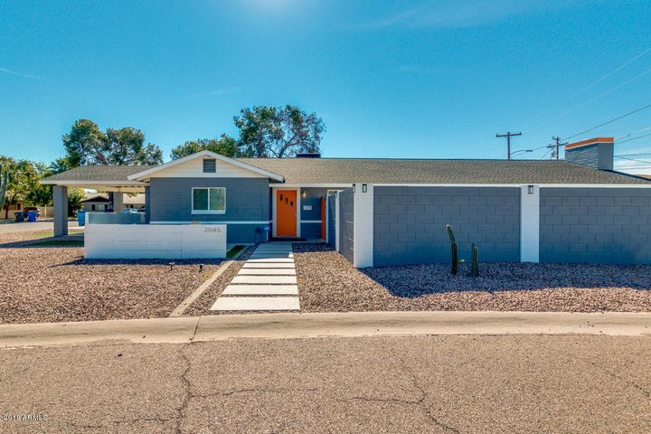2045 E EARLL Drive, Phoenix, AZ 85016