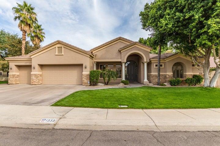 1333 N CLIFFSIDE Drive, Gilbert, AZ 85234
