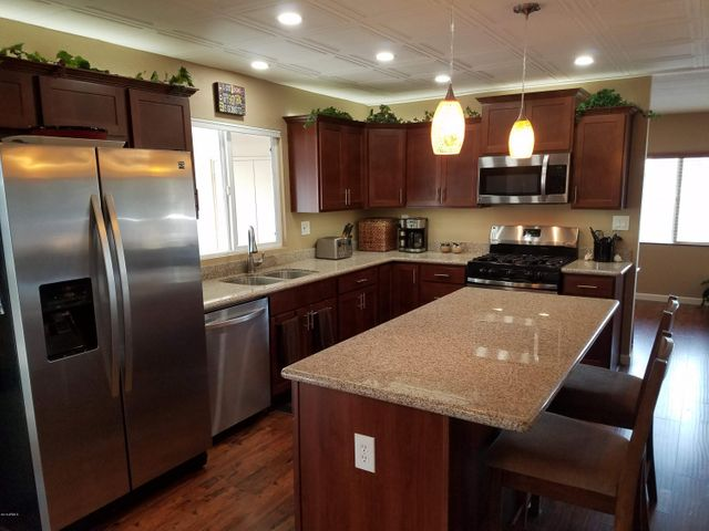 All New Kitchen in 2016!