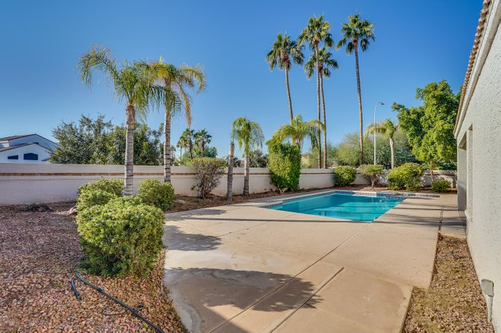 3845 E FRYE Road, Phoenix, AZ 85048