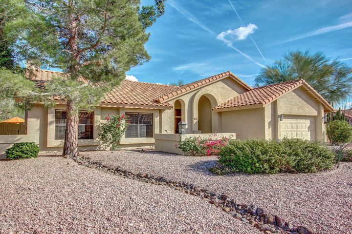 Stunning, remodeled home in a coveted Scottsdale location!