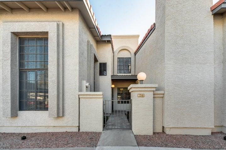 1718 S LONGMORE, 74, Mesa, AZ 85202