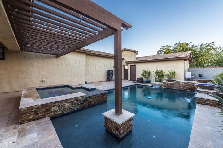 20434 W LOST CREEK Drive, Buckeye, AZ 85396