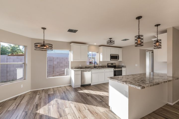 3907 E WINDROSE Drive, Phoenix, AZ 85032