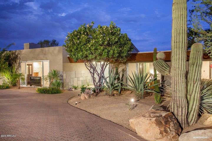 5555 E ROCKRIDGE Road, Phoenix, AZ 85018